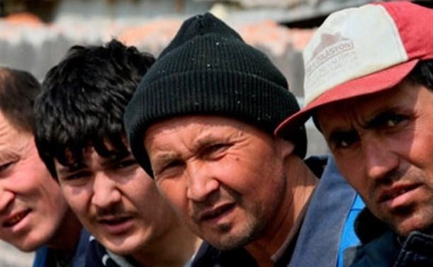 В Суворове молодая девушка фиктивно «прописала» трёх иностранцев