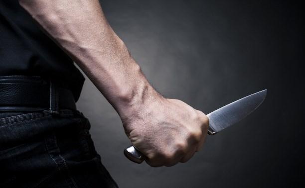 Житель Ефремова во время ссоры воткнул нож в голову брата
