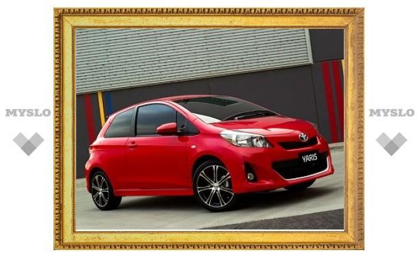 Появились фотографии трехдверного Toyota Yaris