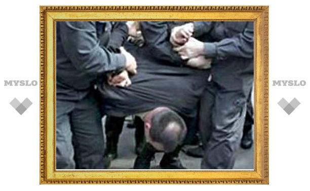 В Новомосковске осудят мужчину, избившего старшего дежурного рынка