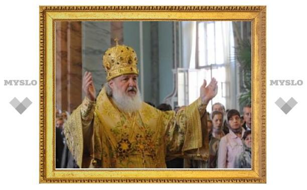 Богослужение в Петропавловском соборе Санкт-Петербурга впервые совершил Патриарх