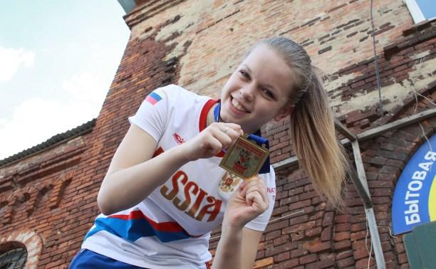 Тульскую рукопашницу Инну Жданову наградили «золотыми перчатками»