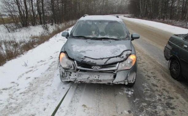 Под Тулой водитель не справился с управлением и улетел в кювет