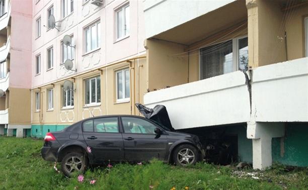Снесшую пять балконов веневскую автоледи лишат прав