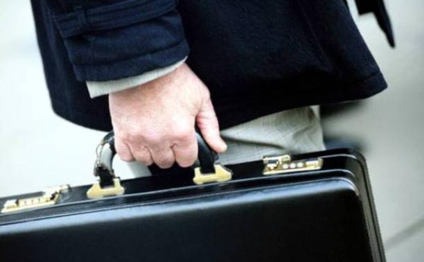 Депутат предложил запретить чиновникам иметь родственников за рубежом