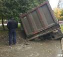 В результате аварии с грузовиком в Туле поврежден водопровод