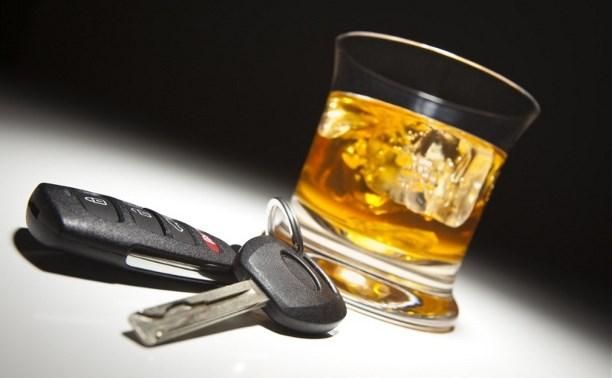 В минувшие выходные более 50 водителей сели за руль пьяными