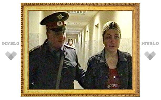 Терроризировавшая Софию Ротару тульская фанатка переключилась на обычных туляков