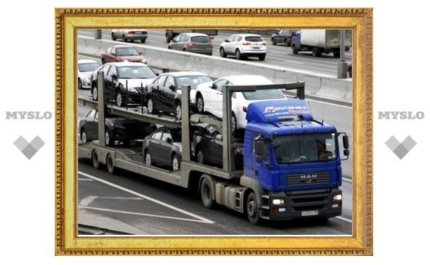 Движение «большегрузов» в Москве и по МКАД ограничили