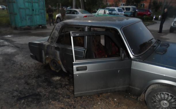 За ночь в Тульской области сожгли три автомобиля