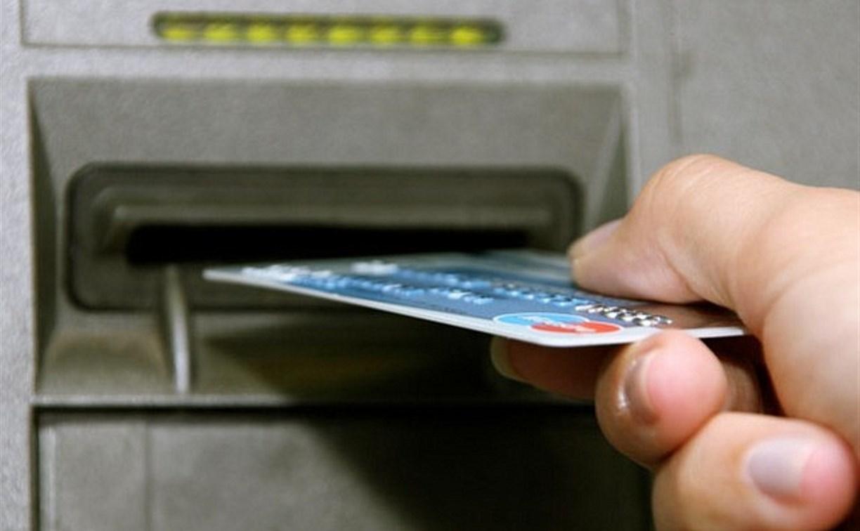 В Новомосковске полицейские за сутки раскрыли две кражи денег с банковских карт