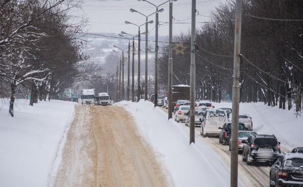 В Туле и области образовались пробки из-за буксующих грузовиков