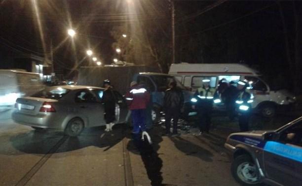 В Новомосковске произошло столкновение «Шевроле Авео» и грузовой «Газели»
