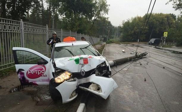 В субботу на ул. Тульского рабочего полка разбился таксист