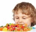 Депутат предложил запретить продажу сладкого детям до 14 лет