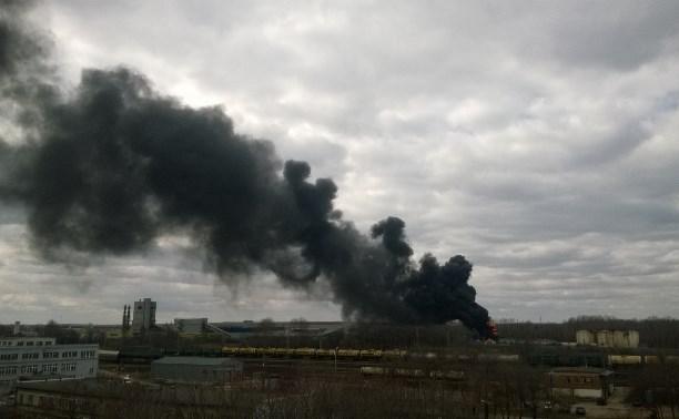 В Щёкинском районе загорелся бензовоз