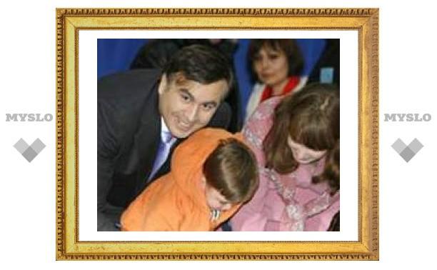Саакашвили побеждает. Оппозиция выходит на митинг