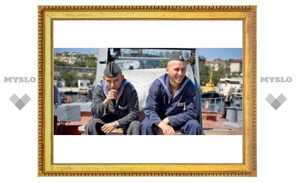 Туляков проводят на флот