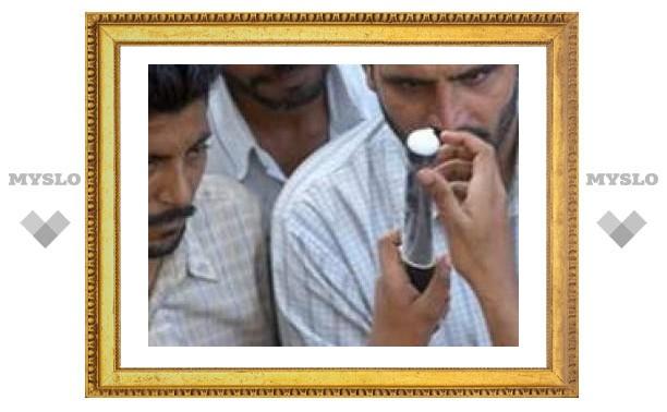 Индийцы используют презервативы не по назначению