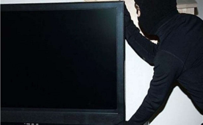 Житель Узловой украл у покойника телевизор