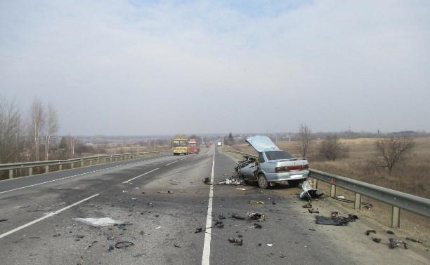 В столкновении грузовика «Ман» и ВАЗ-21150 погиб мужчина
