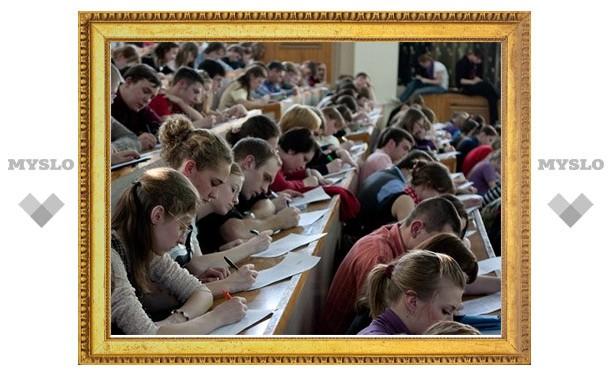 «Тотальный диктант» тулякам продиктует Владимир Толстой