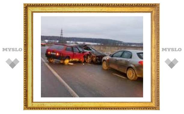 Крупное ДТП возле Мызы: столкнулись четыре авто