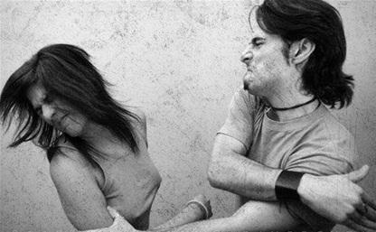 Житель Суворова изуродовал свою девушку