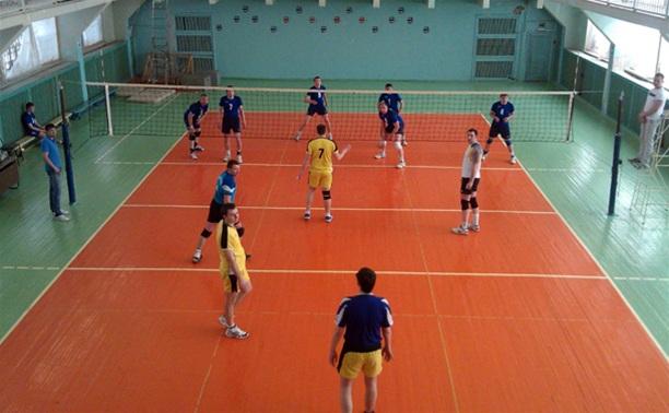 В Тульской волейбольной лиге продолжается погоня за лидером
