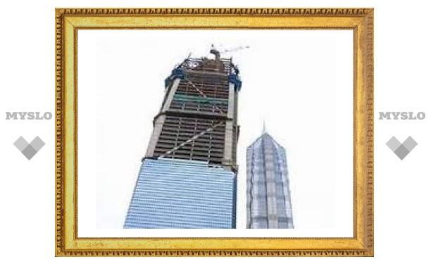 В самом высоком небоскребе Китая произошел пожар