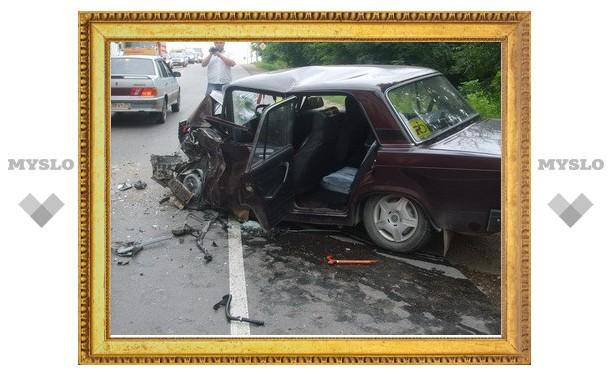 В ДТП со свадебным кортежем серьезно пострадали два автомобиля