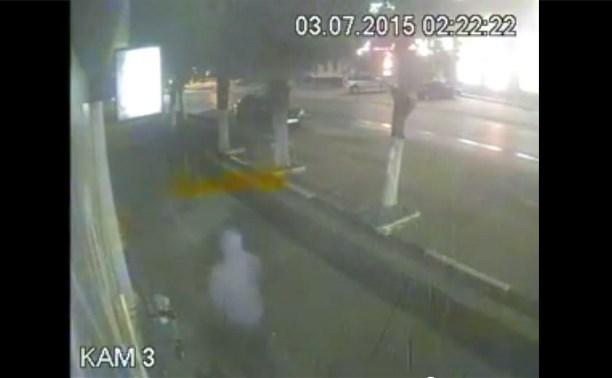 Видеокамеры засняли момент ограбления букмекерской конторы