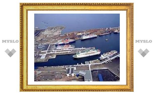 Участников таллинских беспорядков свезли в морской порт