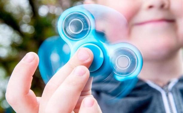 Роспотребнадзор изучит влияние спиннеров на здоровье детей