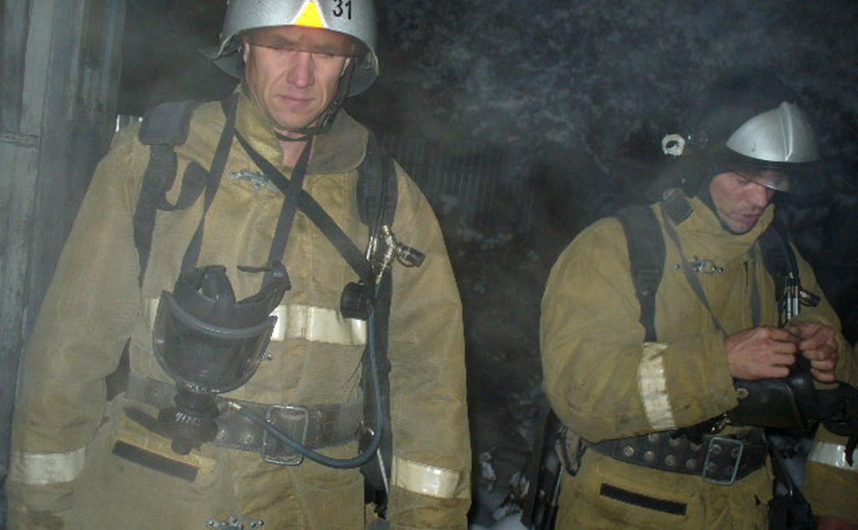 В Щёкинском районе пожарные спасли из горящего дома мужчину