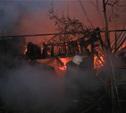 Два ночных пожара в Тульской области: сгорели дача и отечественная легковушка