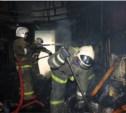 Ночью семь пожарных тушили горящий гараж в Туле