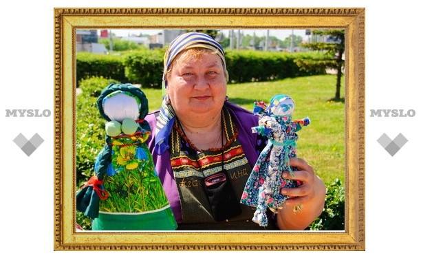 Выставка тряпичных кукол открылась в Туле