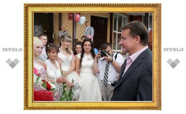 Тульский губернатор побывал на выпускном в с. Воскресенское