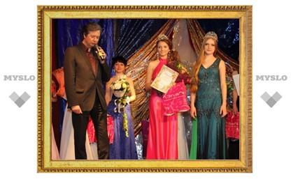 В Туле выбрали лучших выпускниц – 2013!