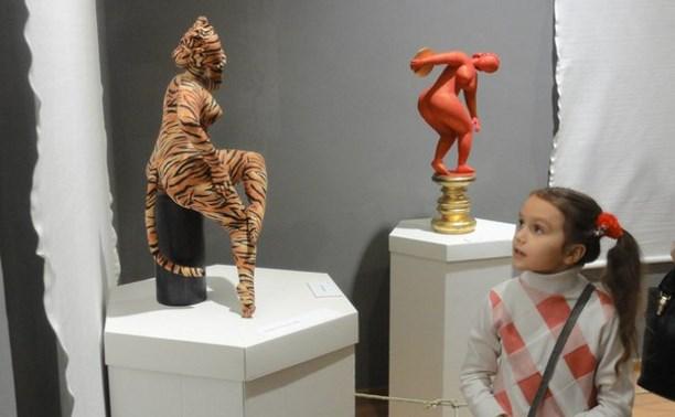 В Туле открылась выставка текстильной скульптуры