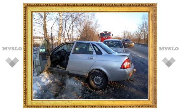 На окраине Тулы столкнулись две машины