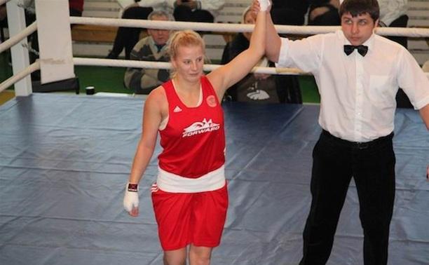 Тулячка стала чемпионкой округа по боксу