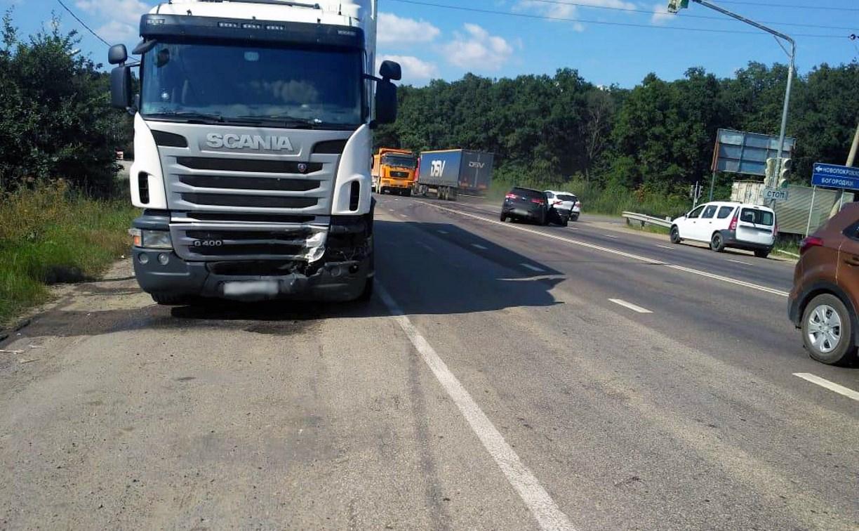 На М-4 «Дон» в ДТП с грузовиком погибла девушка