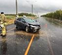 На трассе М-2 «Крым» «Хёндэ Солярис» врезался в отбойник