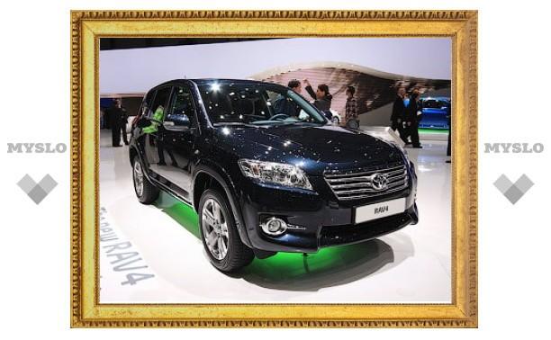 Продажи обновленного Toyota RAV4 начнутся в России летом
