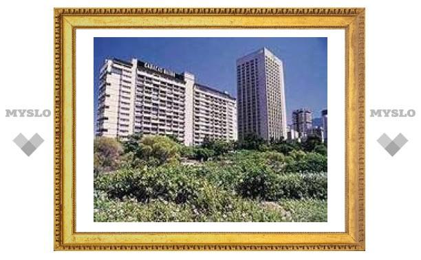 """Чавес переименовал гостиницу Caracas Hilton в """"Рассвет"""""""