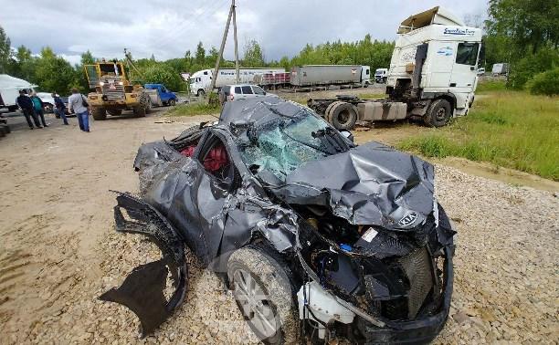 Водитель чудом выжил в жуткой аварии под Тулой: репортаж