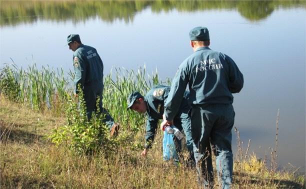 Тульские спасатели очистили водоёмы от мусора