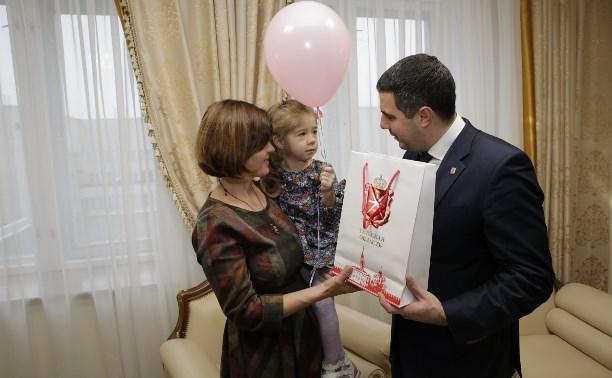 Алексей Дюмин помог обеспечить лекарством ребенка-инвалида